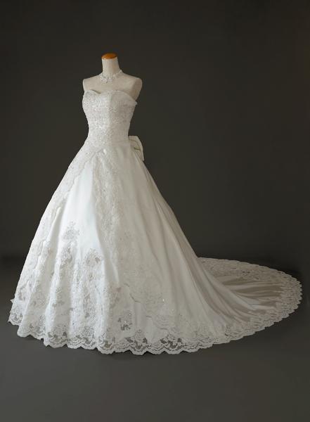 綺麗なドレスっを着たい